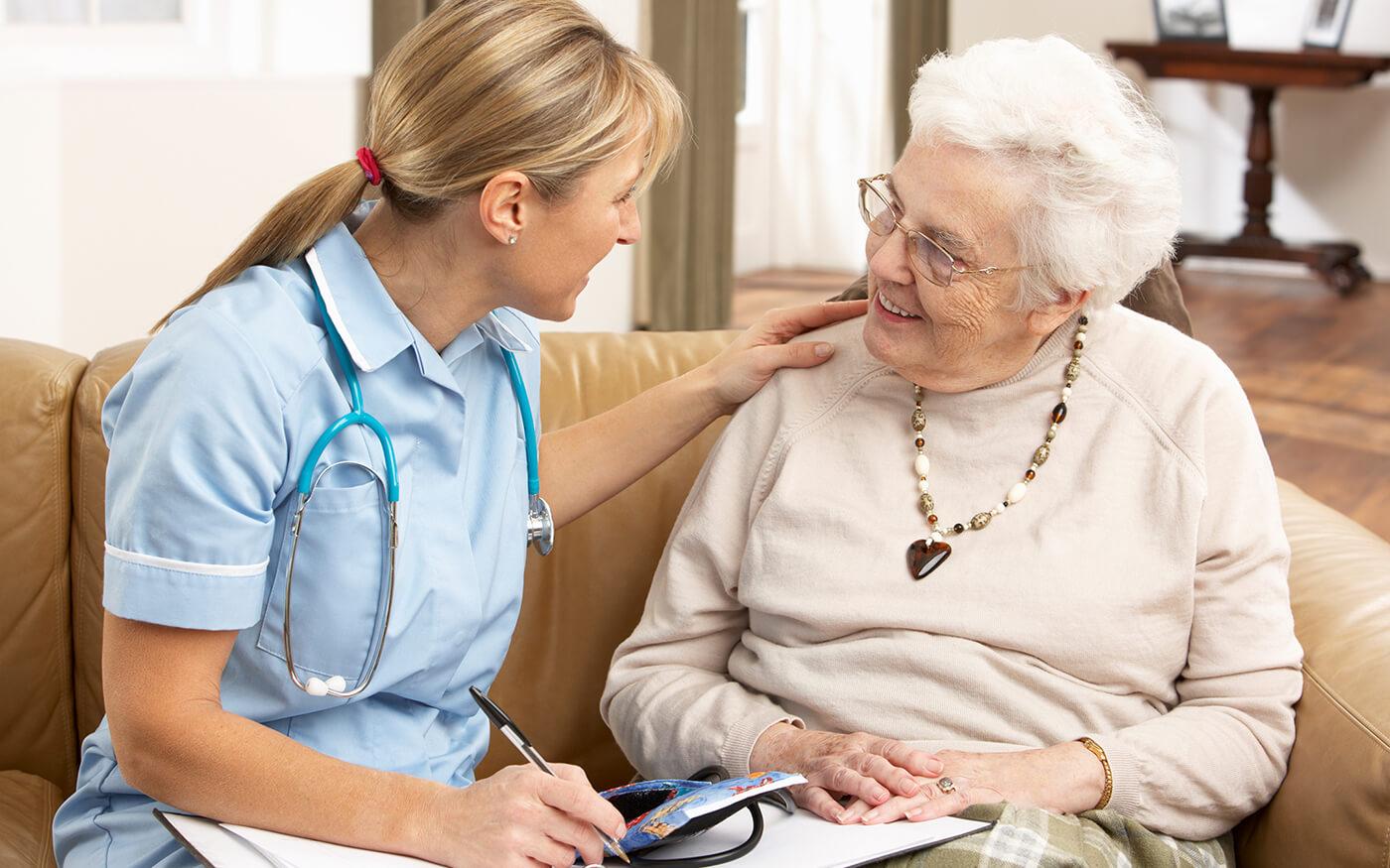 Узнаем что лечит врач-геронтолог?