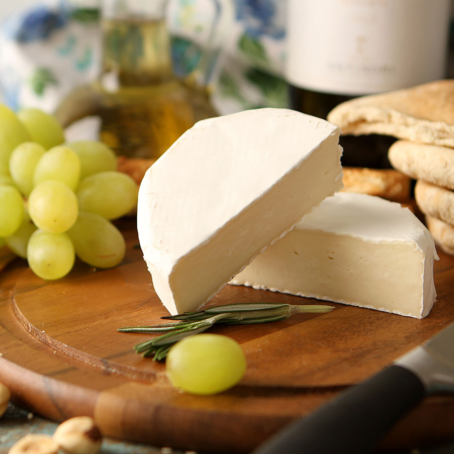 Сыр камамбер. как правильно есть с корочкой или без, запах, вином, рецепт приготовления в домашних условиях