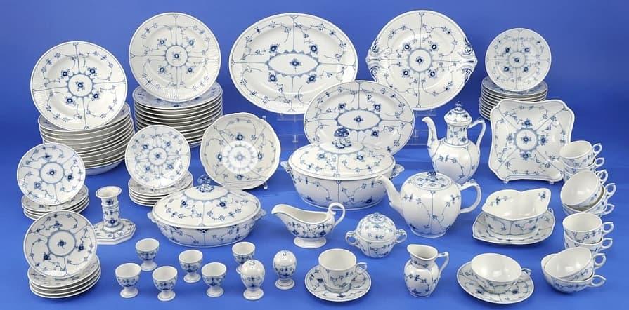 Фарфор и фаянс: такие разные грани керамики. чем отличаются и как выбрать