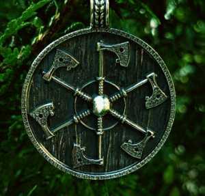 Коловрат - это свастика, славянский символ и оберег: значение оберега для мужчин и женщин
