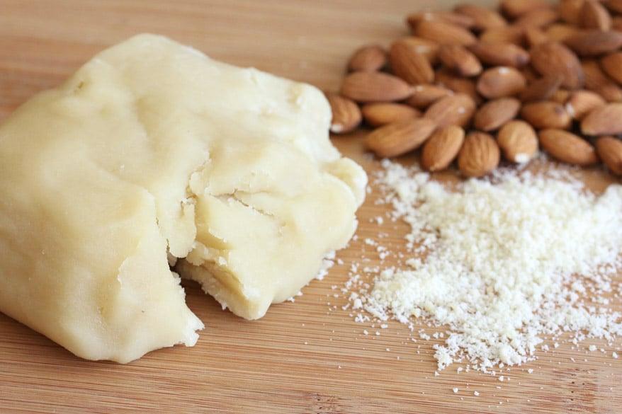 Марципан - что это такое и состав, как готовить дома для изготовления конфет, фигурок и тортов