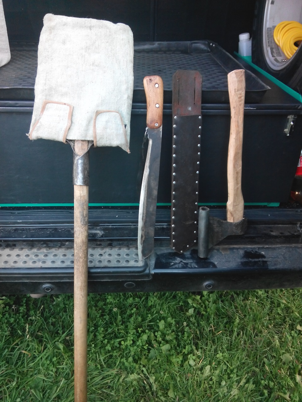 Автомобильный инструмент для ремонта
