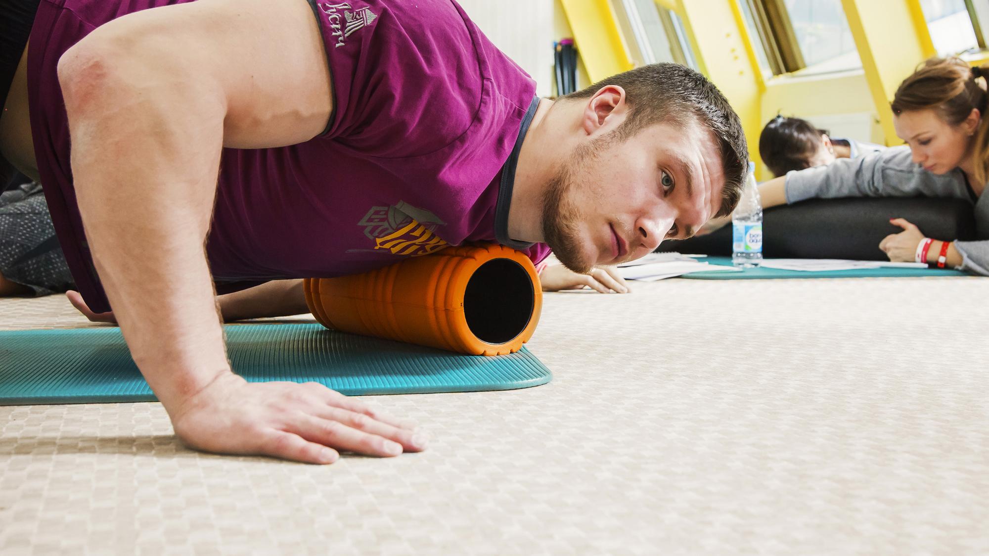 Миофасциальный релиз: что это такое, комплекс фитнес упражнений на расслабление мышц