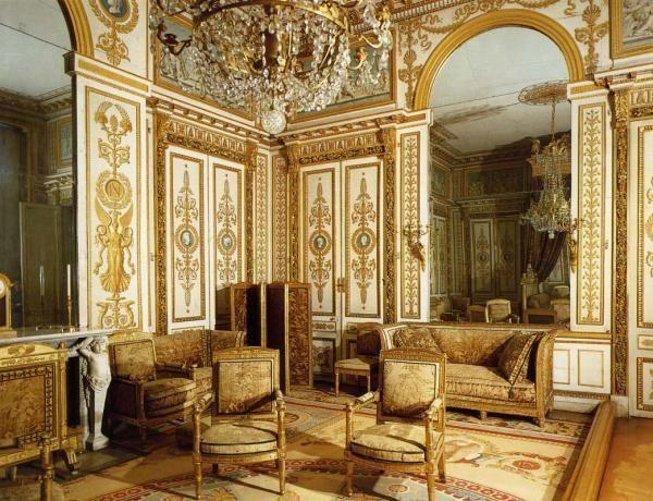 Что такое классицизм. признаки классицизма в мировом и русском искусстве