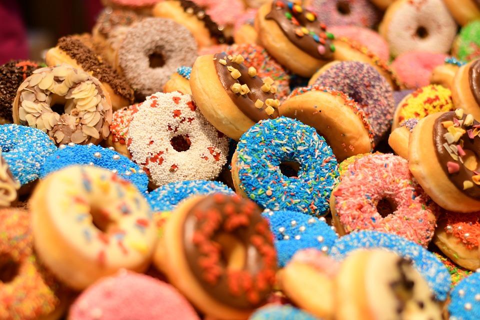 Пончики - 10 рецептов приготовления в домашних условиях с пошаговыми фото