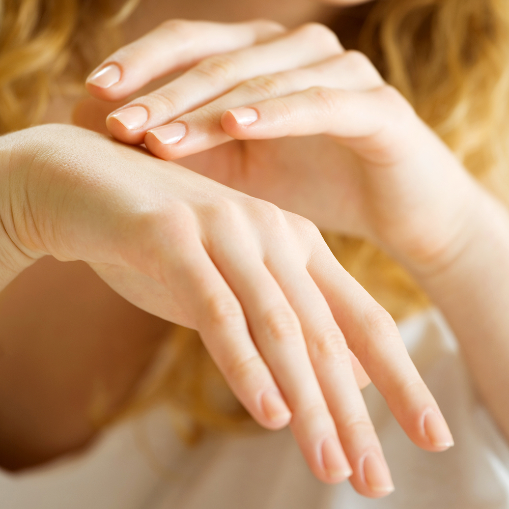 Что такое цыпки на руках у ребенка: причины и лечение