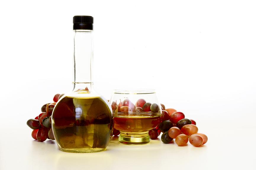 Чем полезен яблочный уксус, как его принимать и как приготовить в домашних условиях