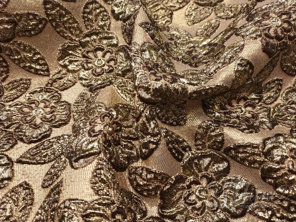 Жаккард — крупноузорчатая ткань, сложного или простого переплетения