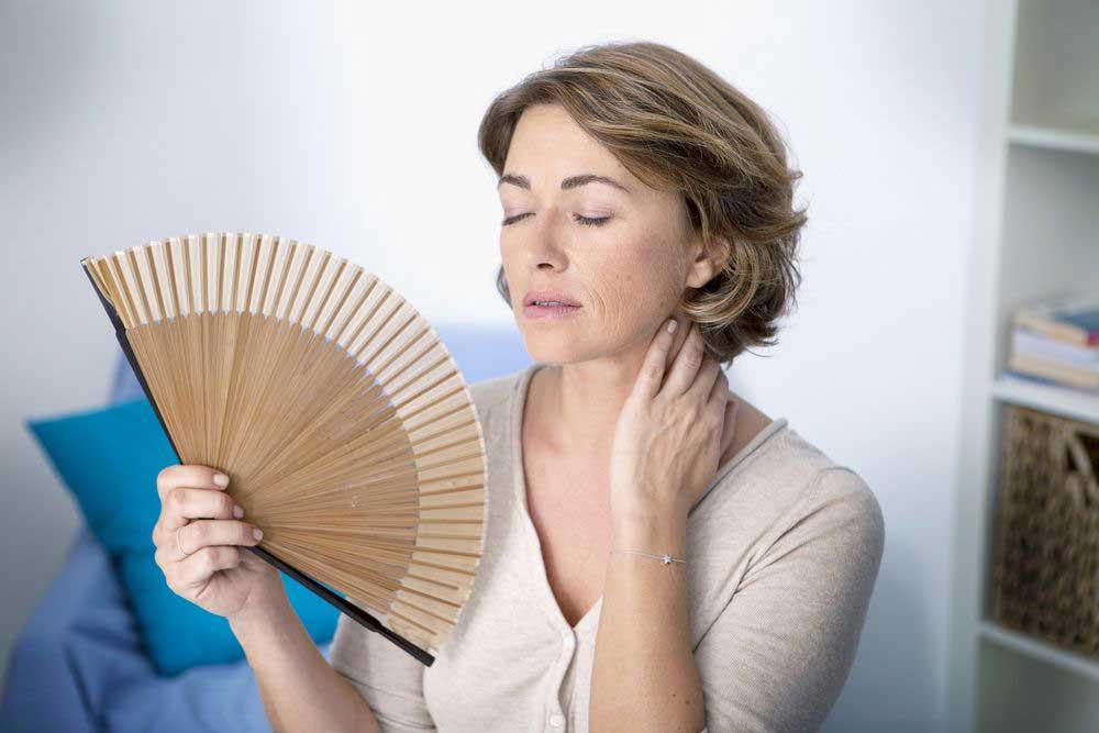 Климакс у женщин: симптомы, возраст, лечение. доступно и понятно
