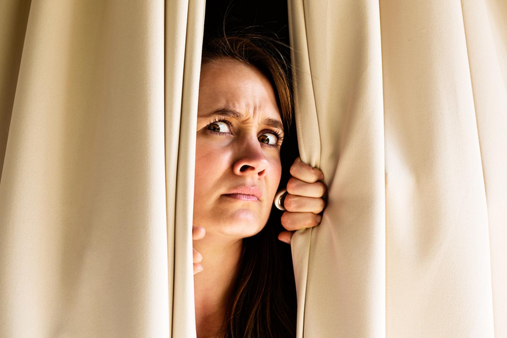 Симптомы агорафобии: лечение боязни открытого пространства и открытых дверей