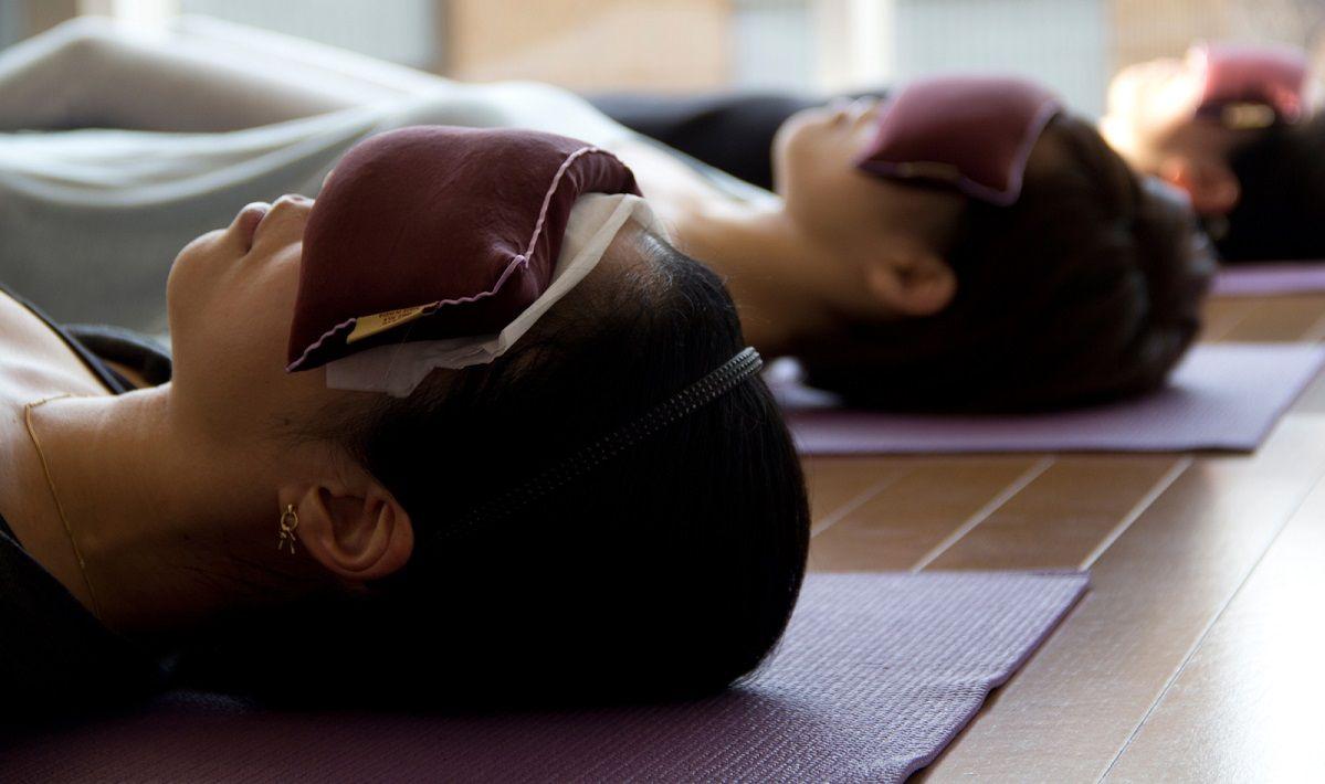Йога-нидра: эффективность и техника