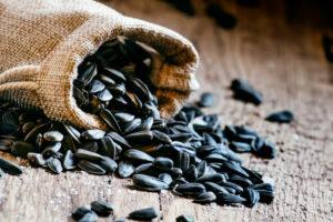 Семечки подсолнуха: польза и вред, калорийность, состав, витамины
