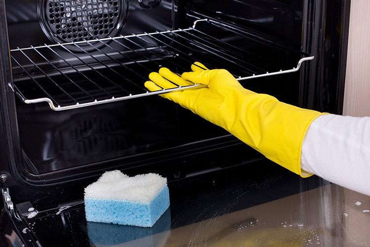 Каталитическая, гидролизная, пиролитическая очистка духовки — что лучше?