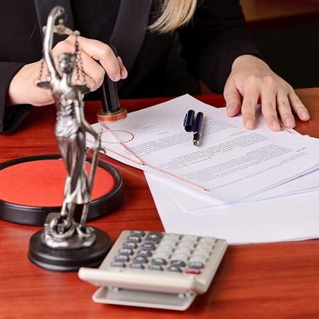 Нотариус: престижная профессия для самых терпеливых юристов