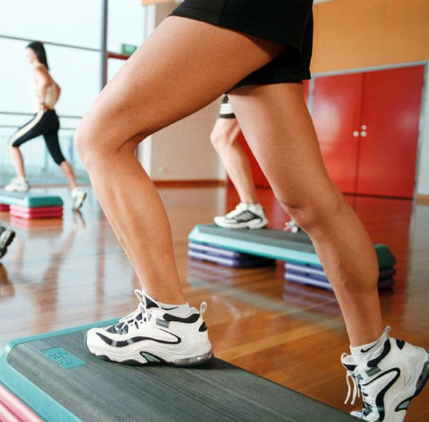 Комплекс упражнений на степ-платформе