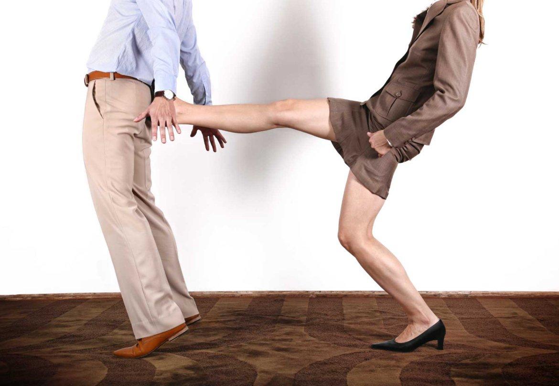 Побуждение - это прежде всего мотивация, а не стимулирование субъекта отношений