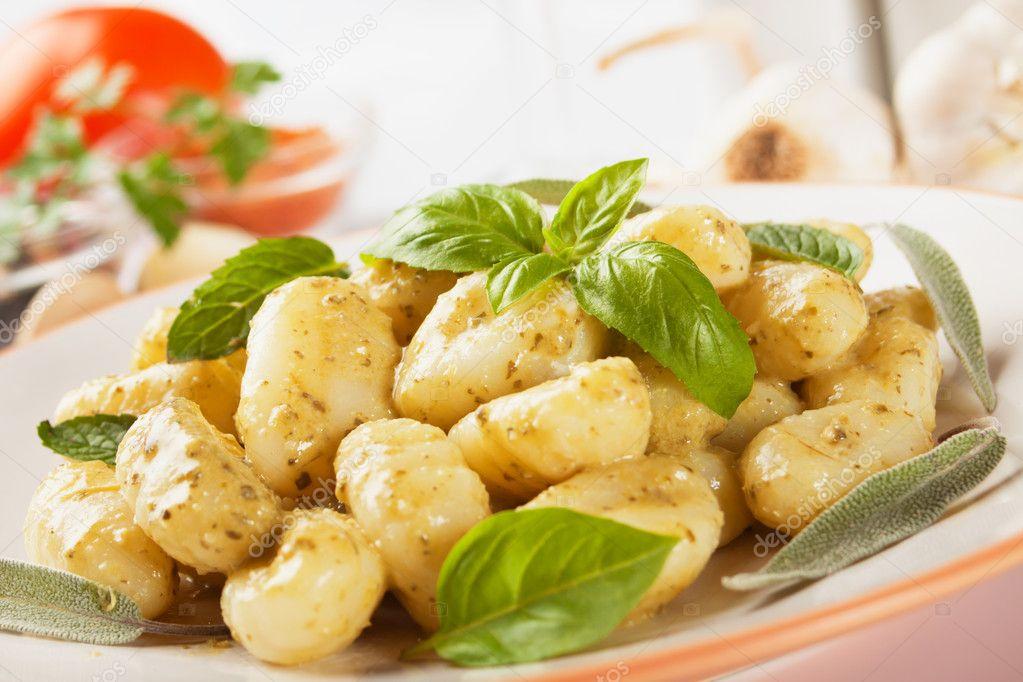 Жареные ньокки (гноччи) по-римски – кулинарный рецепт