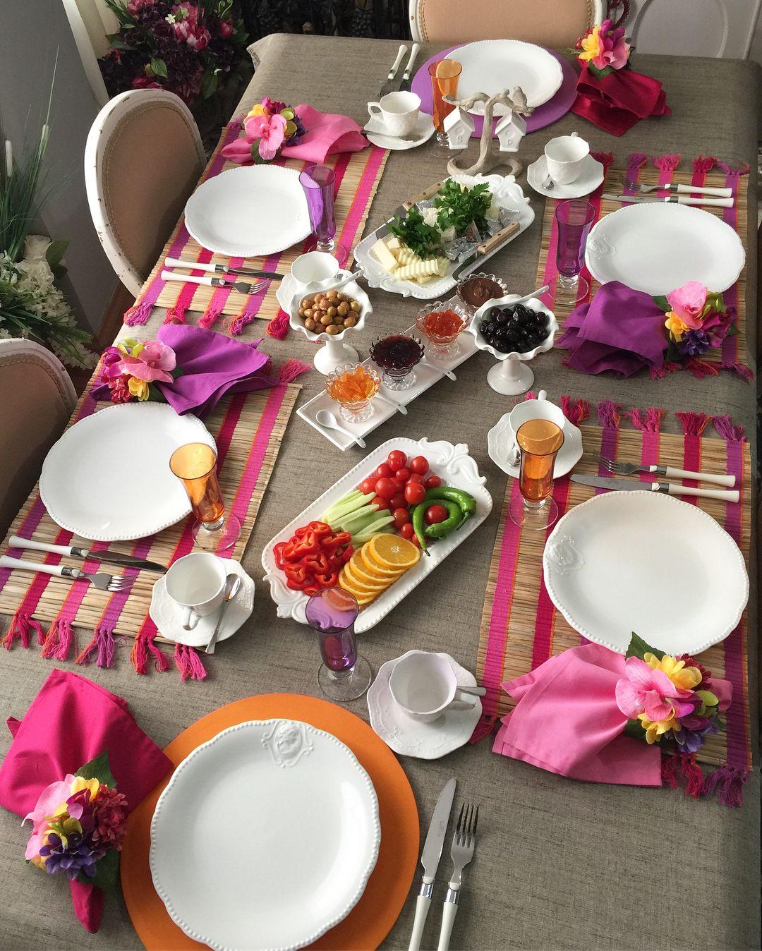 Общие правила сервировки стола: какую посуду и приборы использовать (с фото)