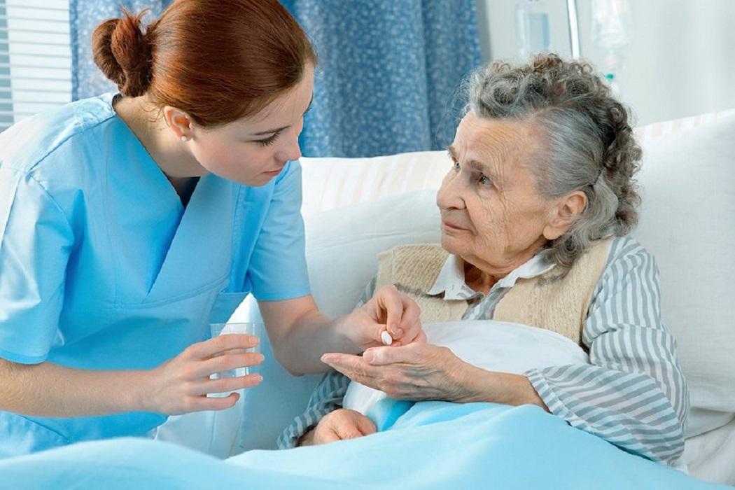 Гериатрия: как новый вид медицинской помощи поможет жить дольше и не стареть душой