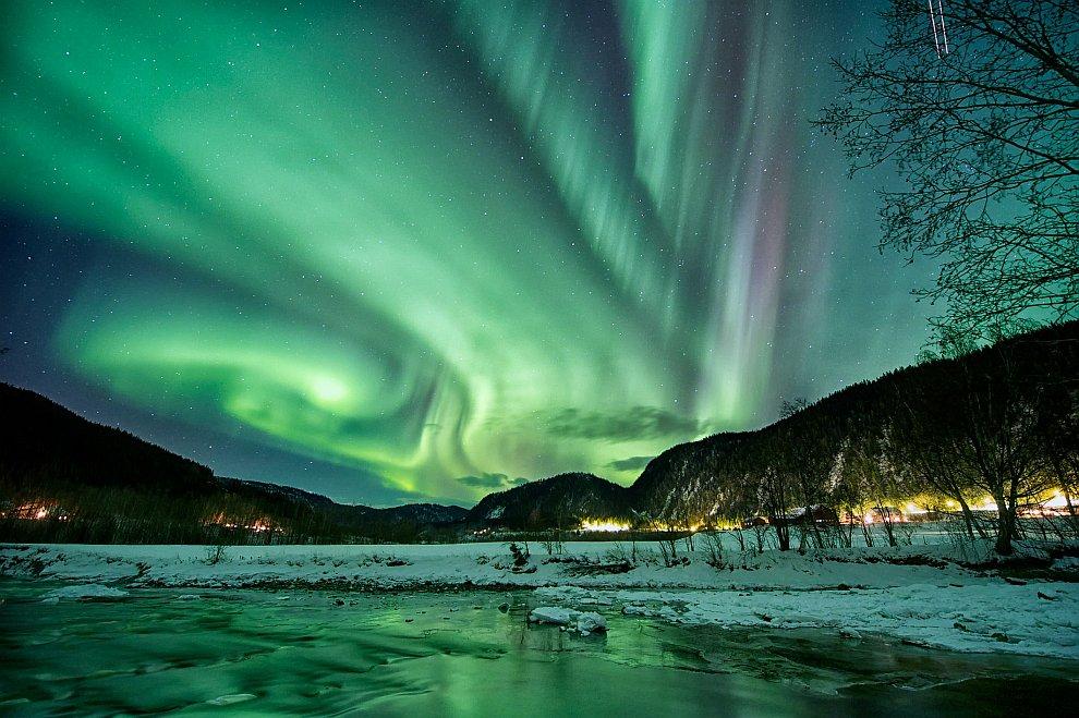 Почему бывает северное сияние и как его можно увидеть