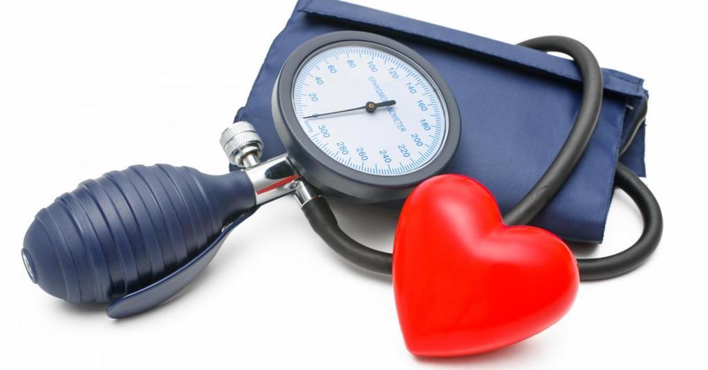Гипертония (артериальная гипертензия): признаки, диагностика и лечение