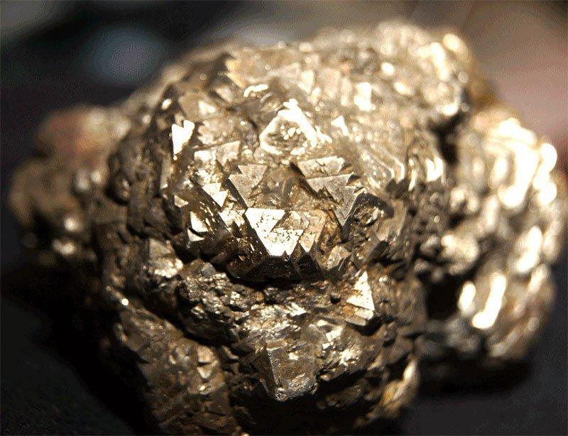 Виды золота: разновидности по цвету, предназначению, способу добычи, происхождению и пробе