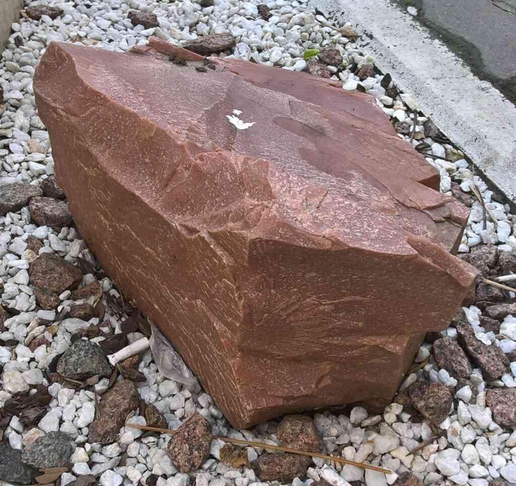 Вулканический туф: минеральный состав, лечебные свойства и область применения
