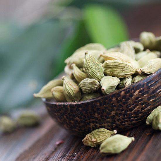 Пряность кардамон - полезные свойства и секреты применения