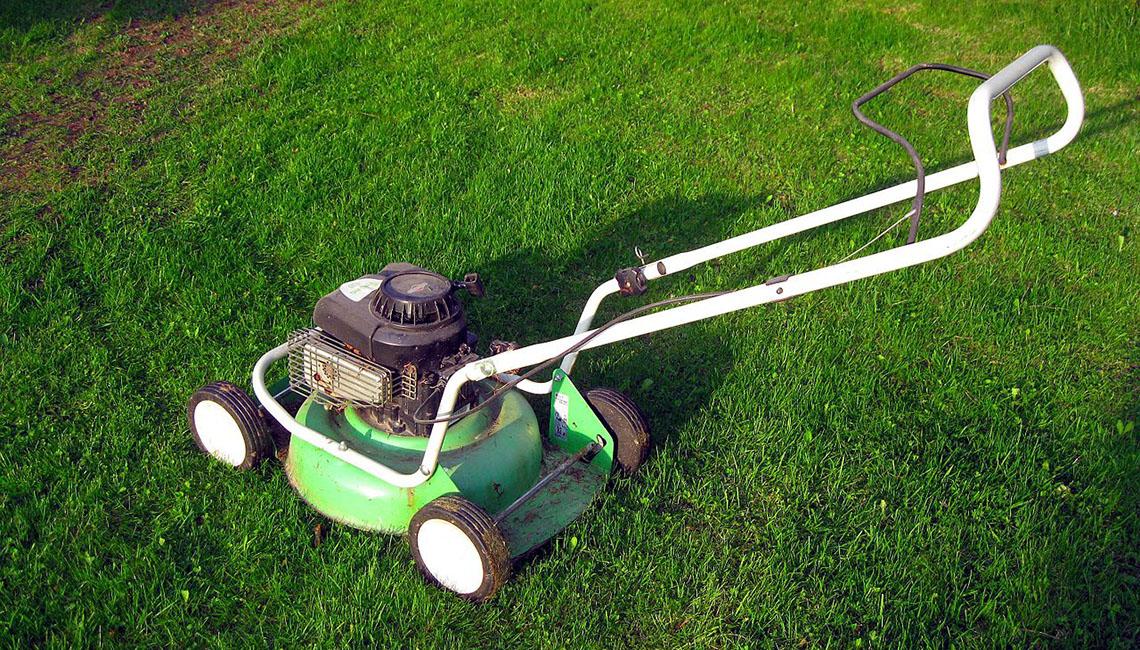 Мульчирование — полезная функция в современных газонокосилках