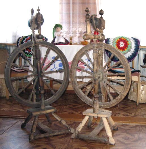 Прялка деревянная с колесом: описание, характеристики и отзывы