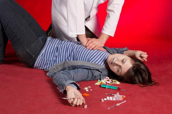 Передозировка наркотиками - что делать, как спасти?