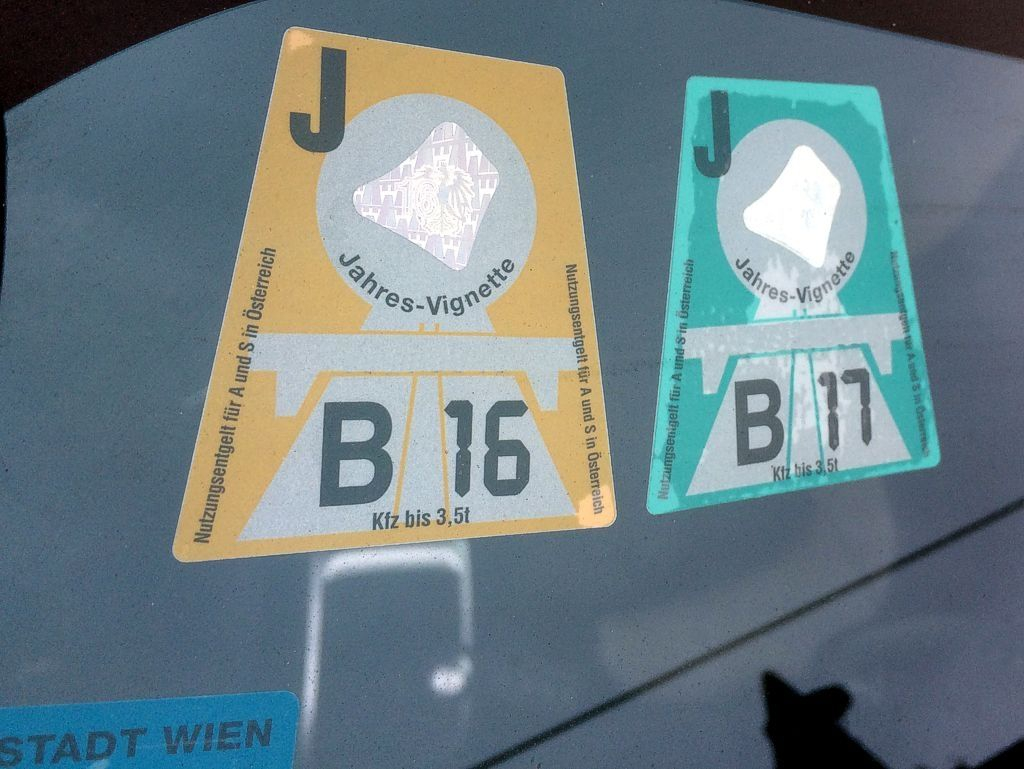 Платные дороги в европе. что такое автомобильная виньетка?