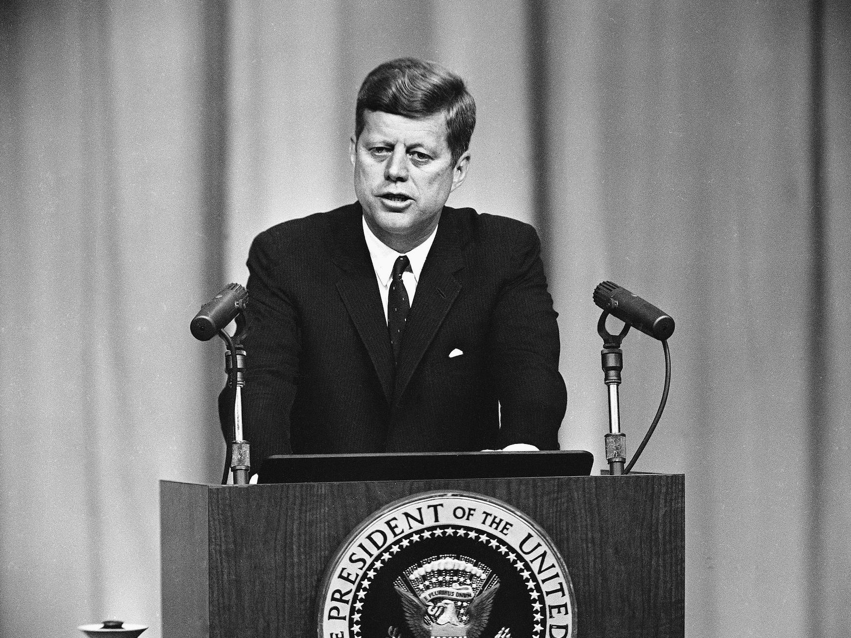 Холодная война: этапы идейно-политического противостояния ссср и сша