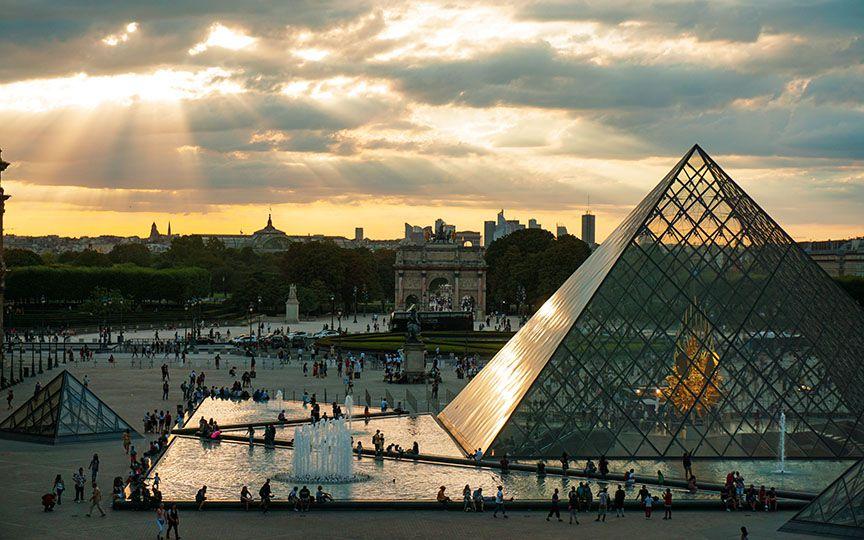 Лувр — музей парижа