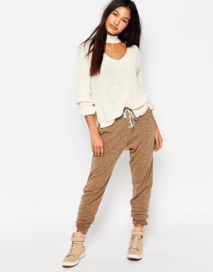 Женские и мужские брюки-джоггеры для модного стиля: как создать оригинальный образ