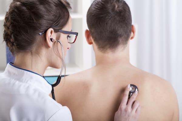 Сильный сухой кашель у взрослого - чем лечить правильно