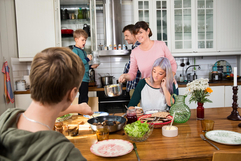 «шведская семья»: что это такое в современном мире и за что термин стал символом разврата? : labuda.blog «шведская семья»: что это такое в современном мире и за что термин стал символом разврата? — «лабуда» информационно-развлекательный интернет журнал