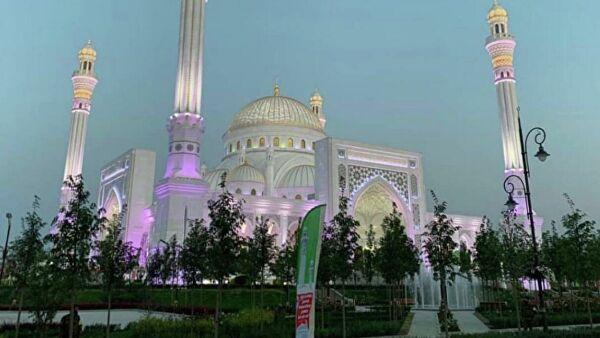 Самые красивые мечети мира ? названия с фото и описанием, старейшая мечеть, архитектура мечети, где находятся самые красивые мечети, особенности и украшение