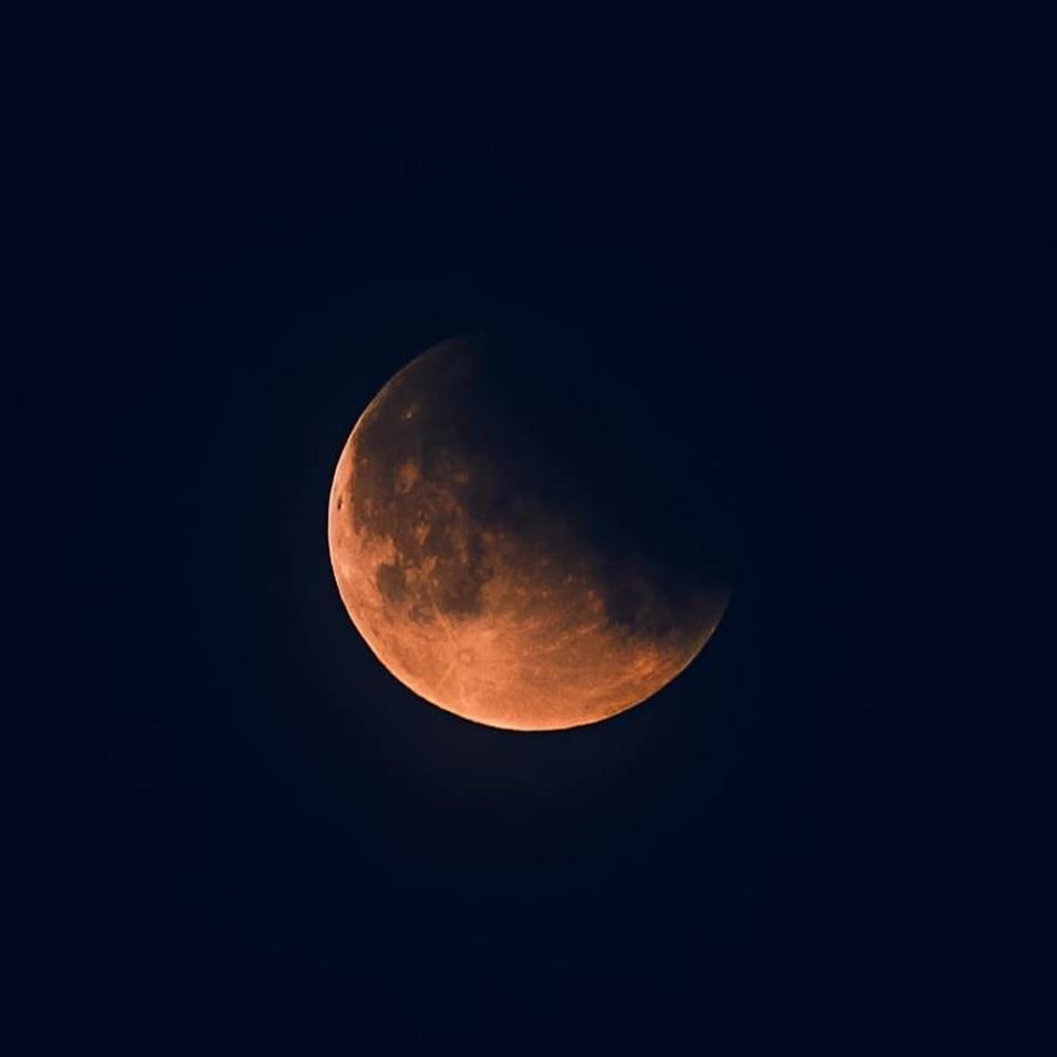 Лунные и солнечные затмения 2020 года: как подготовиться, что можно и нельзя делать