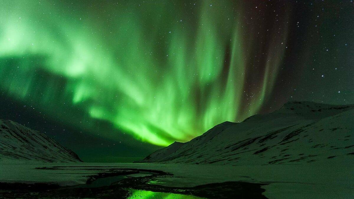 Что такое аврора бореалис (северное сияние)?