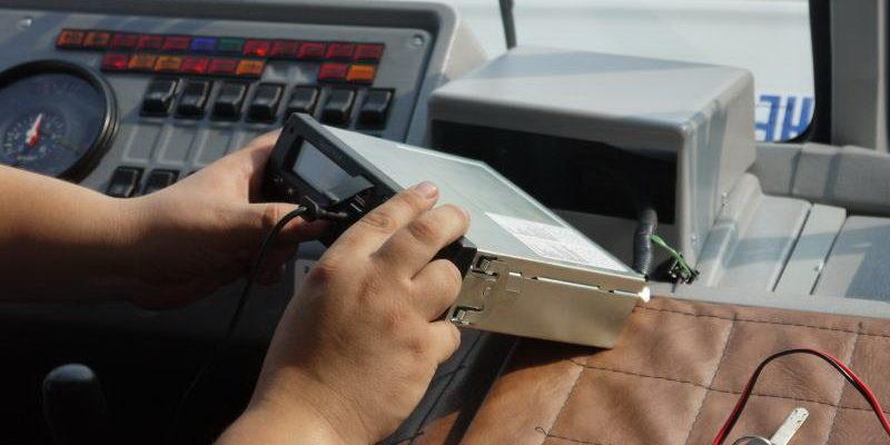 Как пользоваться тахографом — правила работы водителей с тахографом с картой