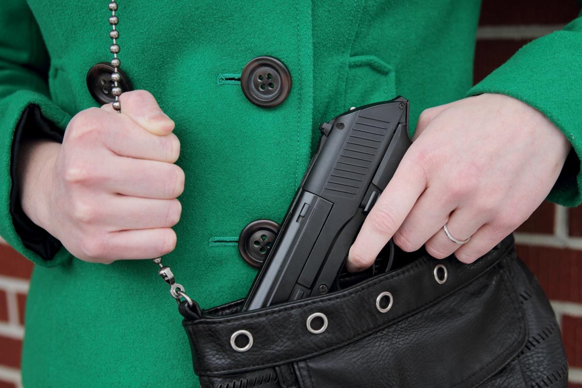 Охолощенное оружие - правила хранения и применения