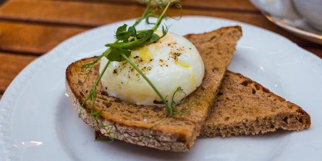 Яйца пашот: что это такое и как их приготовить