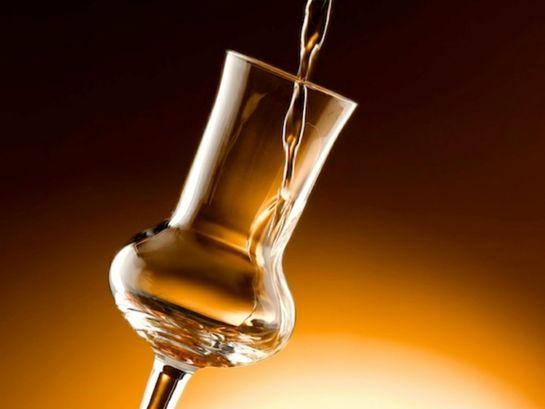 Что такое граппа и как ее правильно пить, пардон, дегустировать…