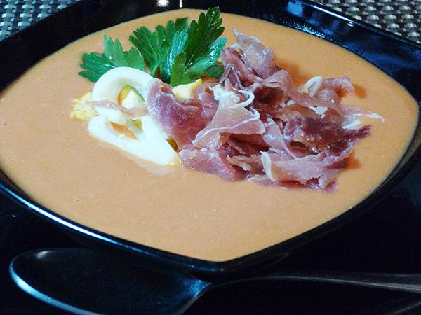 Сальморехо – холодный томатный суп-пюре из кордовы