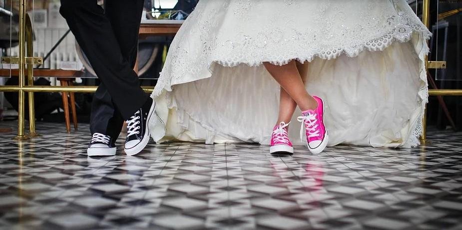 Фиктивный брак: что такое, когда заключают, чем опасен, какие риски