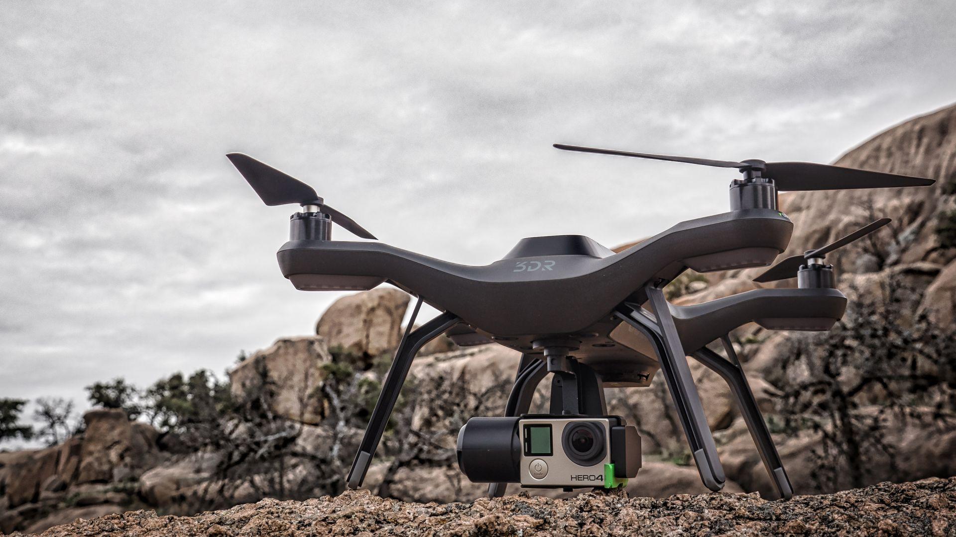 Что такое квадрокоптер: как он поднимается в воздух и управляется с земли