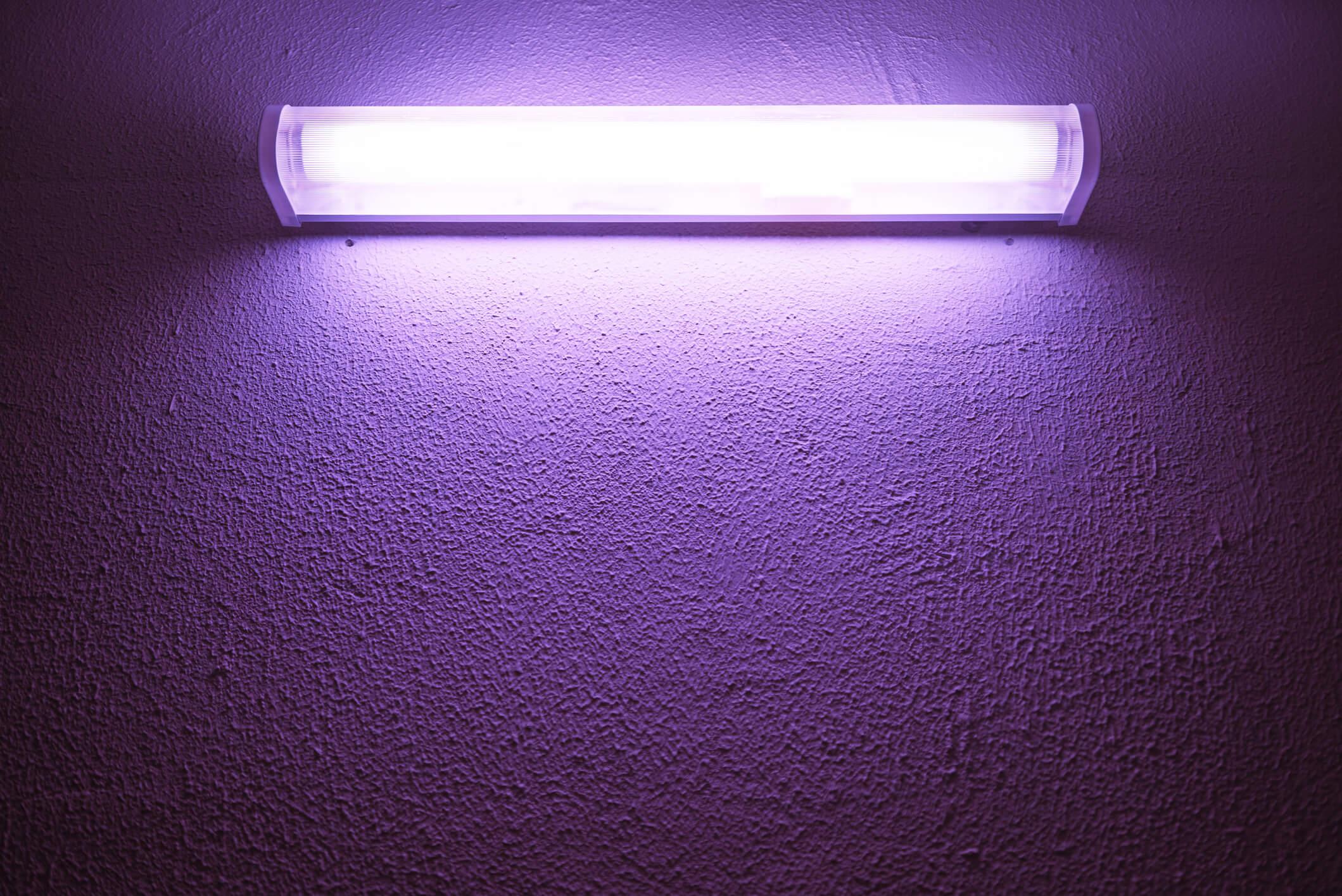 Ультрафиолетовая лампа дома: насколько она эффективна? - hi-news.ru