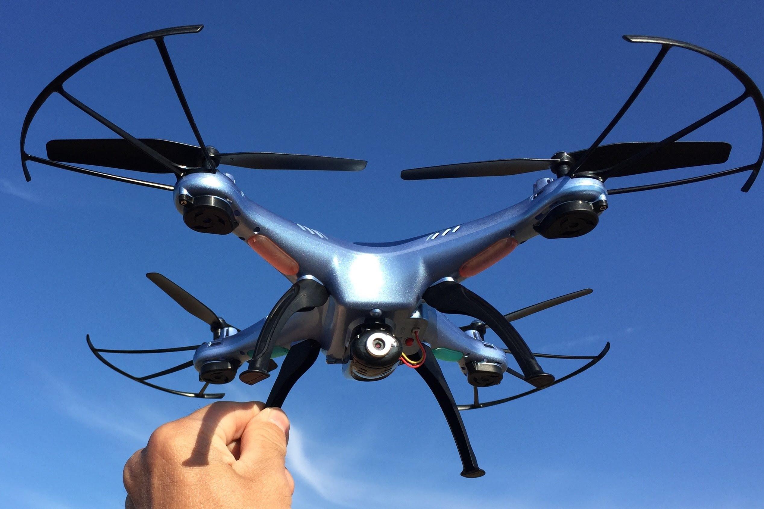 Что такое дрон и на что он способен?