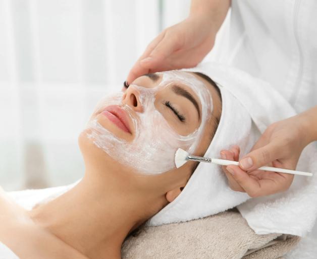 Как часто нужно делать чистку лица: с какой периодичностью можно ходить на процедуры по очищению кожи в зависимости от существующих проблем и типа кожи, глубины и вида воздействия, минимальный и максимальный интервалы для проведения
